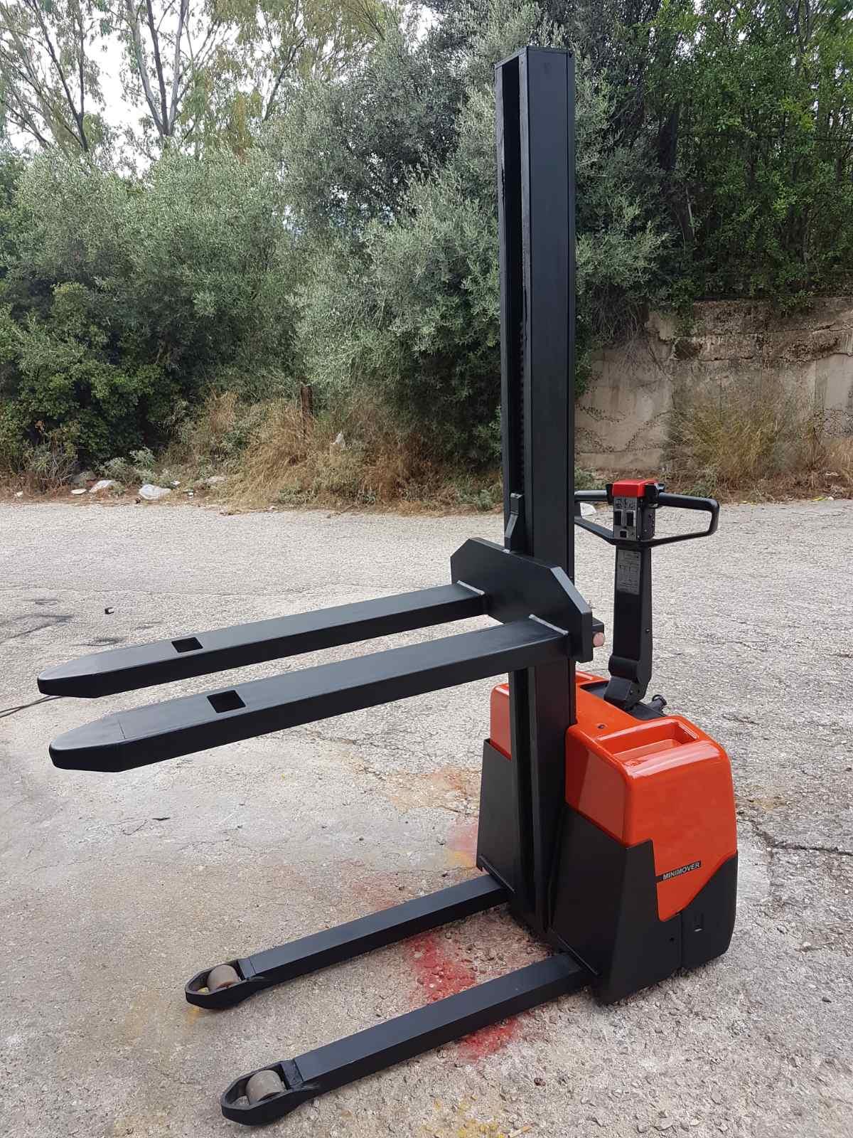 Ηλεκτροκίνητο Stacker διπλής ανύψωσης - ΒΤ ΗWE 100