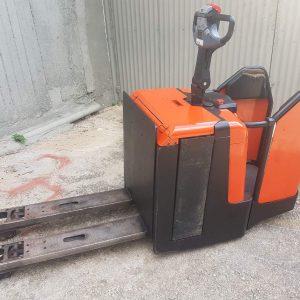 Ηλεκτροκίνητο παλετοφόρο με πλατφόρμα - BT (TOYOTA) LPE240