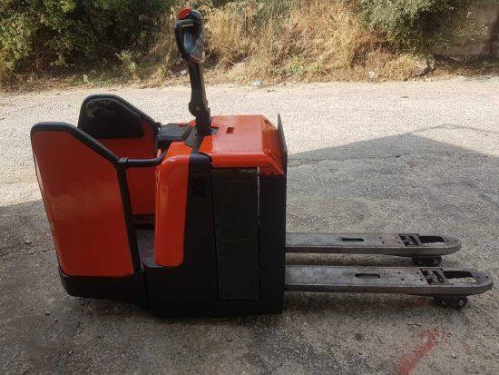 Ηλεκτροκίνητο παλετοφόρο με πλατφόρμα – BT (TOYOTA) LPE240